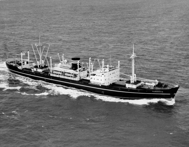 """M/S """"Tenneriffa"""" som skulle bli min første arbeidsplass om bord på et skip i utenriks sjøfart. Eier av bildet: Skipshistorisk forening avdeling Kristiansund"""
